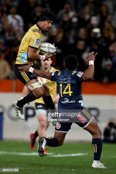 Ardie Savea of the Hurricanes grabs the high ball during the round 16 Super Rugby match between the Highlanders and the Hurricanes at Forsyth Barr...