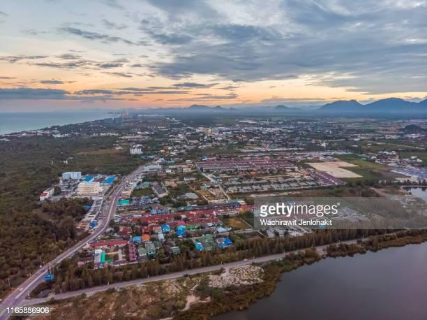 area view  , small town by the sea, cha-am, phetchaburi. - países del golfo fotografías e imágenes de stock