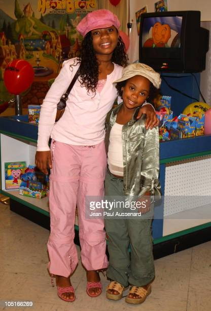 Aree Davis and Dee Dee Davis during Mark Feuerstein Leads Los angeles Kids in 'itty bitty HeartBeats' Pledge at Toys'R'Us at Toys'R'Us in Torrance...