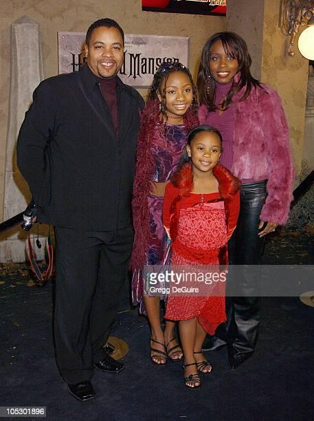 Aree Davis dad Daryl sister Dee Dee and mom Sydney