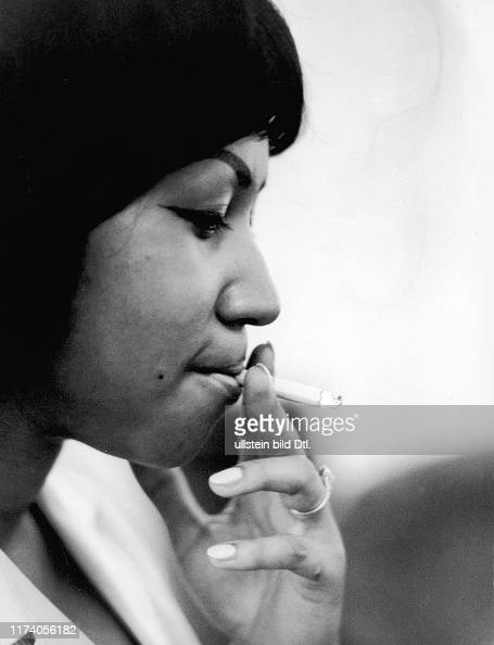 https://media.gettyimages.com/photos/aretha-franklin-in-montreux-1968-picture-id1174056182?s=594x594