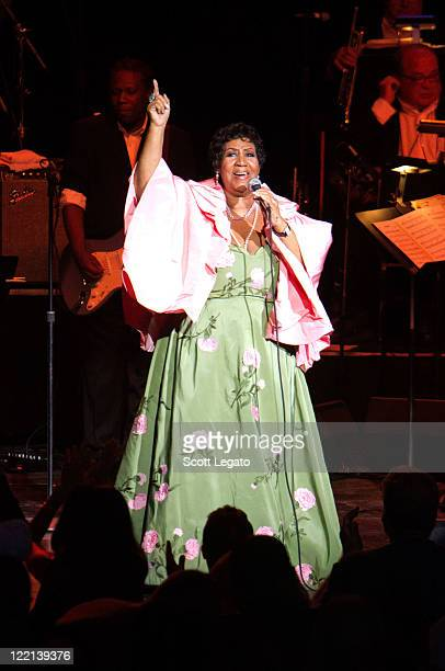 Aretha Franklin performs at the DTE Energy Center on August 25, 2011 in Clarkston, Michigan.