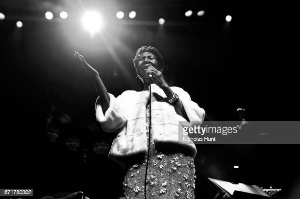 Aretha Franklin performs on stage at the Elton John AIDS Foundation Commemorates Its 25th Year And Honors Founder Sir Elton John During New York Fall...