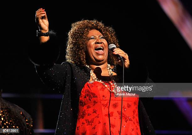 Aretha Franklin performs on stage during the 25th Anniversary Rock & Roll Hall of Fame Concert at Madison Square Garden on October 30, 2009 in New...