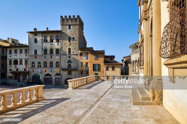 arezzo tuscany italy. piazza grande - marco brivio stock pictures, royalty-free photos & images