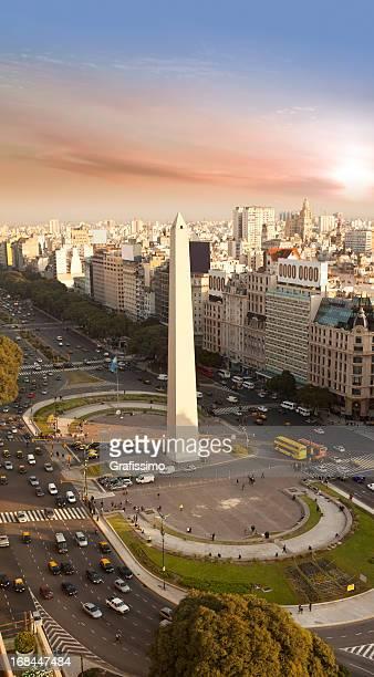argentina, buenos aires vista aérea con obelisco - buenos aires fotografías e imágenes de stock