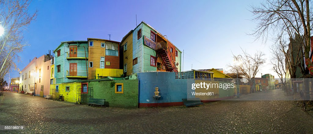 Argentina, Buenos Aires, colorful houses at Caminito : Stock-Foto