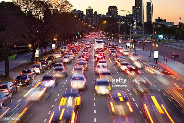 ARGENTINE Buenos Aires avec le trafic de nuit