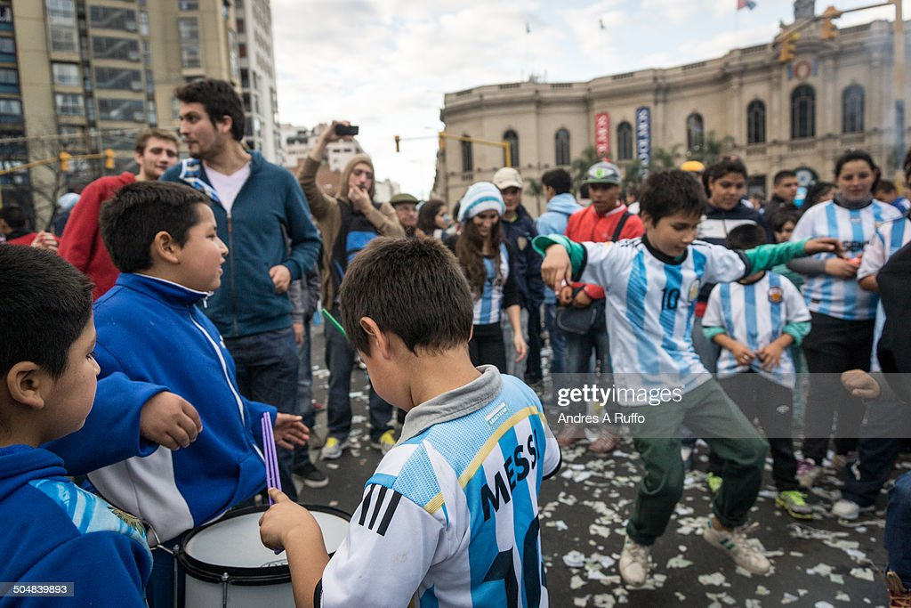 World Cup fans gather to celebrate in Cordoba : News Photo