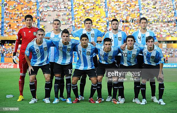 Argentina players pose for a team picture during the FIFA U20 World Cup Colombia 2011 round of 16 match between Argentina and Egypt at the Atanasio...