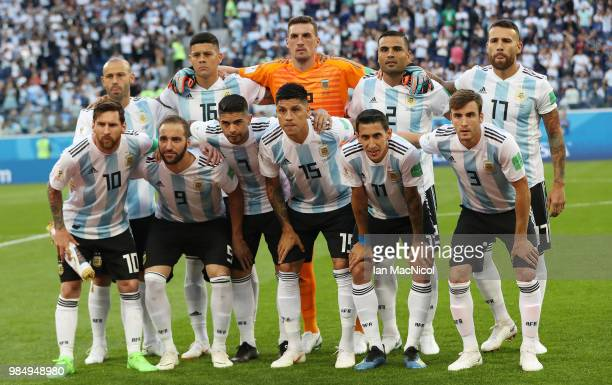 Argentina pose for a team photo during the 2018 FIFA World Cup Russia group D match between Nigeria and Argentina at Saint Petersburg Stadium on June...