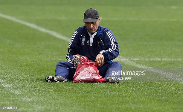 Argentina rugby union national team head coach Marcelo Loffreda prepares before a training session at the Parc des Princes stadium 29 September 2007...