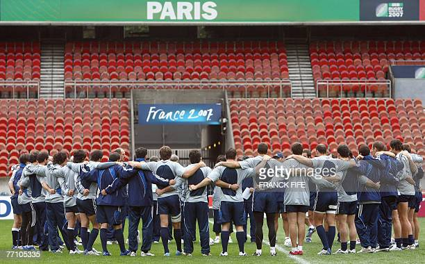 Argentina rugby union national team receives instructions from head coach Marcelo Loffreda during a training session at the Parc des Princes stadium...