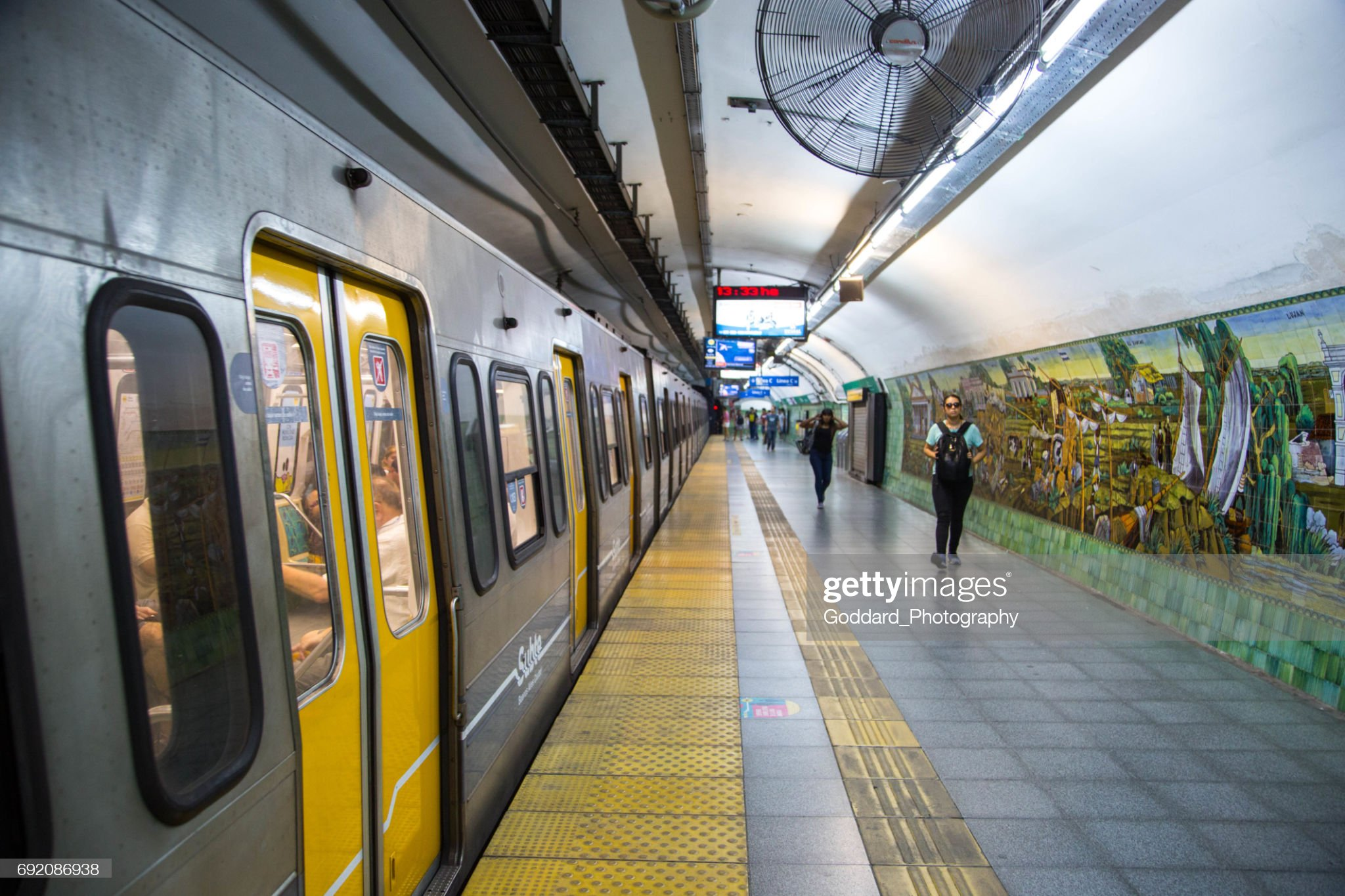 https://media.gettyimages.com/photos/argentina-subte-station-in-buenos-aires-picture-id692086938?s=2048x2048