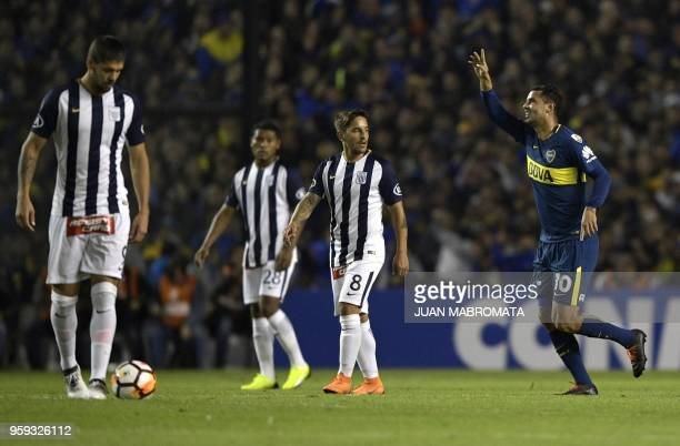 Argentina's Boca Juniors midfielder Edwin Cardona celebrates after scoring a goal against Peru's Alianza Lima during the Copa Libertadores 2018 group...