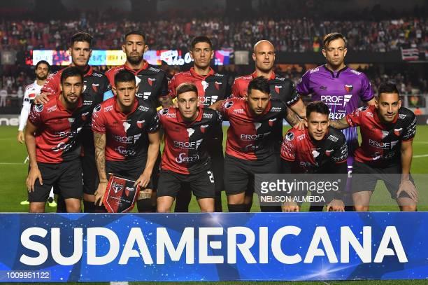 Argentina's Colon team players pose before their 2018 Copa Sudamericana football match against Brazil's Sao Paulo at Morumbi stadium in Sao Paulo...