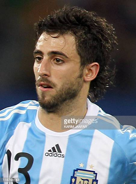 Argentina's defender Nicolas Pareja during a friendly football match against Brazil at Khalifa Stadium in Doha on November 17 2010 AFP PHOTO/KARIM...
