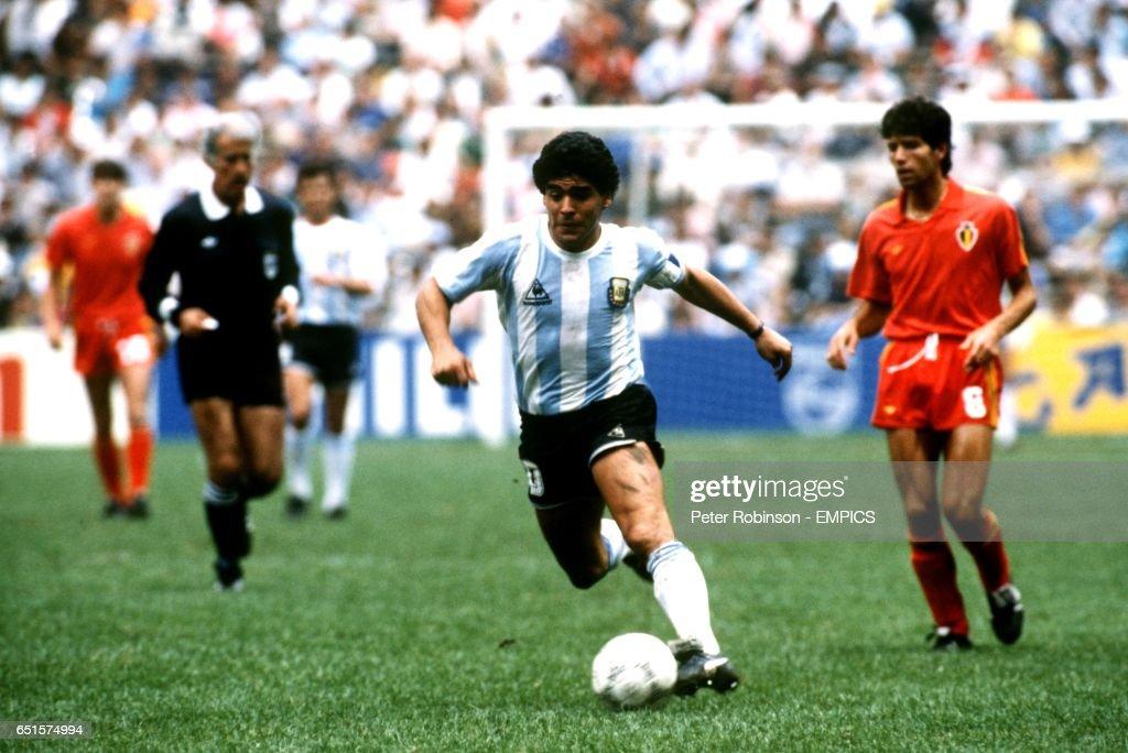 Soccer - World Cup Mexico 86 - Semi Final - Argentina v Belgium : News Photo