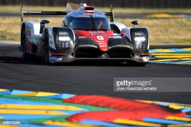 Argentina's driver Jose MarIa Lopez competes on his Toyota TS050 Hybrid N°9 during the 85th Le Mans 24hours endurance race on June 17 2017 in Le Mans...