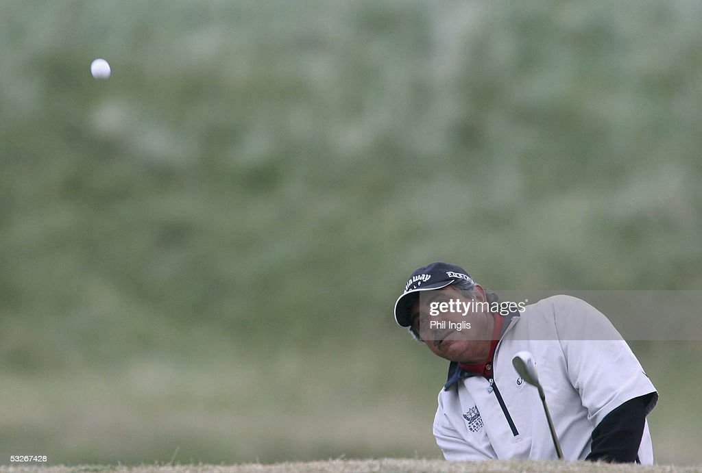 Argentina's Eduardo Romero chips to the 17th green during the first round of The Senior British Open Championship at the Royal Aberdeen Golf Club, Scotland, on July 21, 2005 in Aberdeen, Scotland.