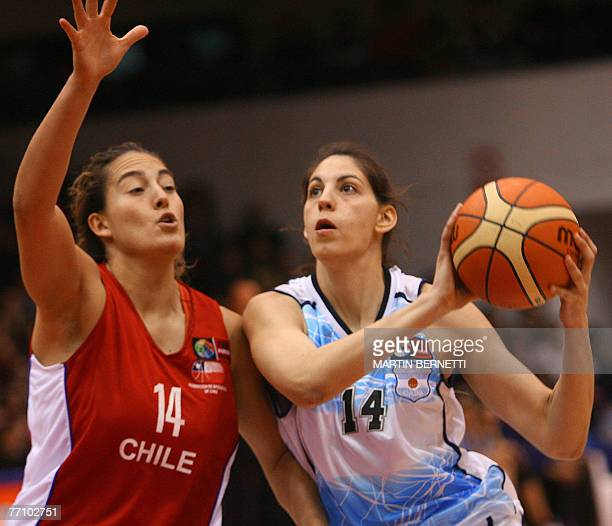 Argentina's Florencia Fernandez goes for the basket marked by Chile's Catalina Lopez during their FIBA Americas Championship 2007 for Women game 28...