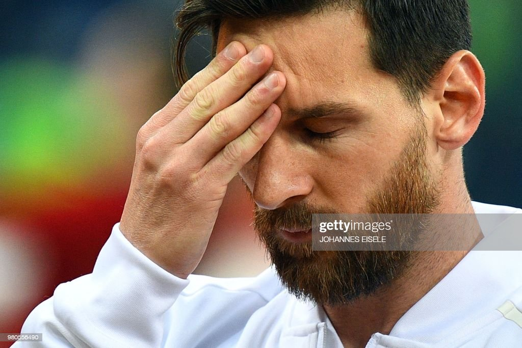 TOPSHOT - Argentina's forward Lionel Messi gestures before the Russia 2018 World Cup Group D football match between Argentina and Croatia at the Nizhny Novgorod Stadium in Nizhny Novgorod on June 21, 2018. (Photo by Johannes EISELE / AFP) / RESTRICTED