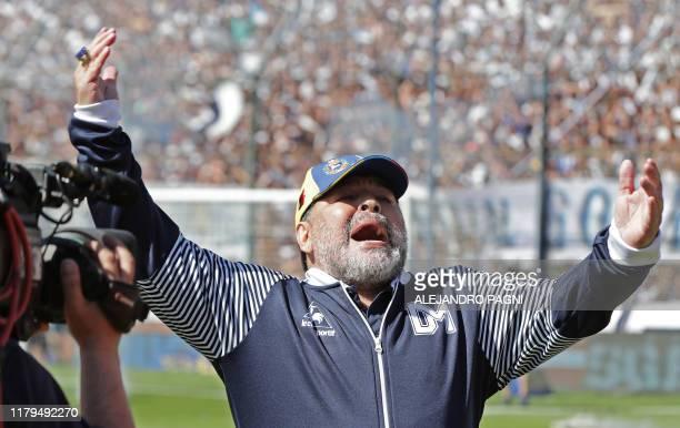 Argentina's Gimnasia y Esgrima La Plata coach, former football star Diego Armando Maradona gestures during their Argentina First Division Superliga...