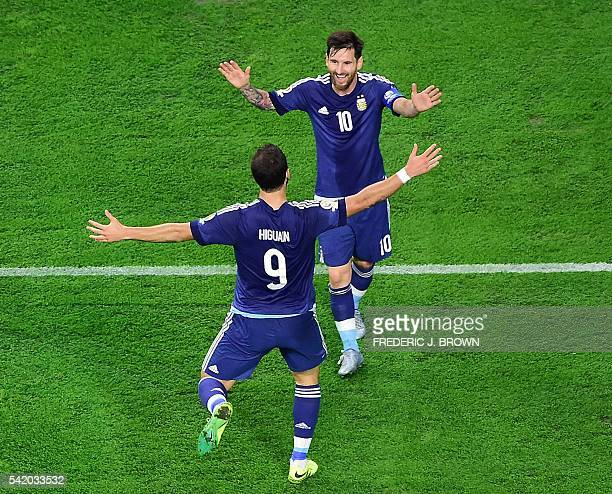 Argentina's Gonzalo Higuain celebrates with teammate Lionel Messi after scoring against USA during their Copa America Centenario semifinal football...