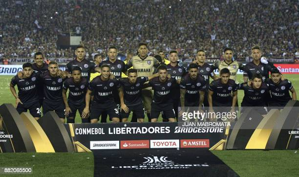 Argentina's Lanus football team pose during the Copa Libertadores 2017 final football match against Brazil's Gremio at Lanus stadium in Lanus Buenos...