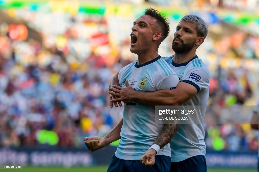TOPSHOT-FBL-COPA AMERICA-2019-VEN-ARG : News Photo