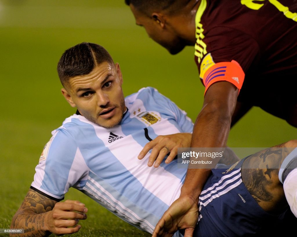 FBL-WC-2018-ARG-VEN : News Photo