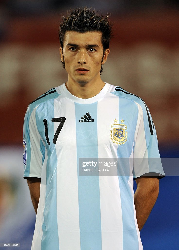 Argentina's midfielder Jesus Datolo at Defensores del Chaco stadium in Asuncion, Paraguay, on September 9, 2009.