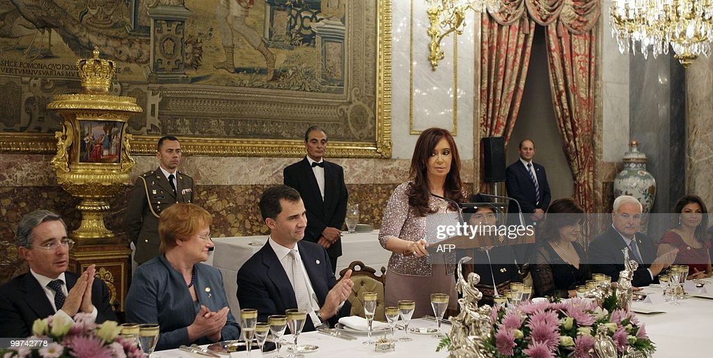 Argentina's President Cristina Fernandez de Kirchner (C) gives a speech during a gala dinner at The Royal Palace in Madrid on May 17, 2010. European and Latin America heads of states meet in Madrid from 17 to 19 May, 2010 during an European Union-Latin America and Caribean countries summit organized by the Spanish rotating presidency of the EU.