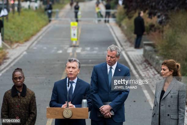 Argentinas Presidnet Mauricio Macri speaks as Frist Lady Juliana Awada New York City Mayor Bill de Blasio and his wife Chirlane McCray listen during...