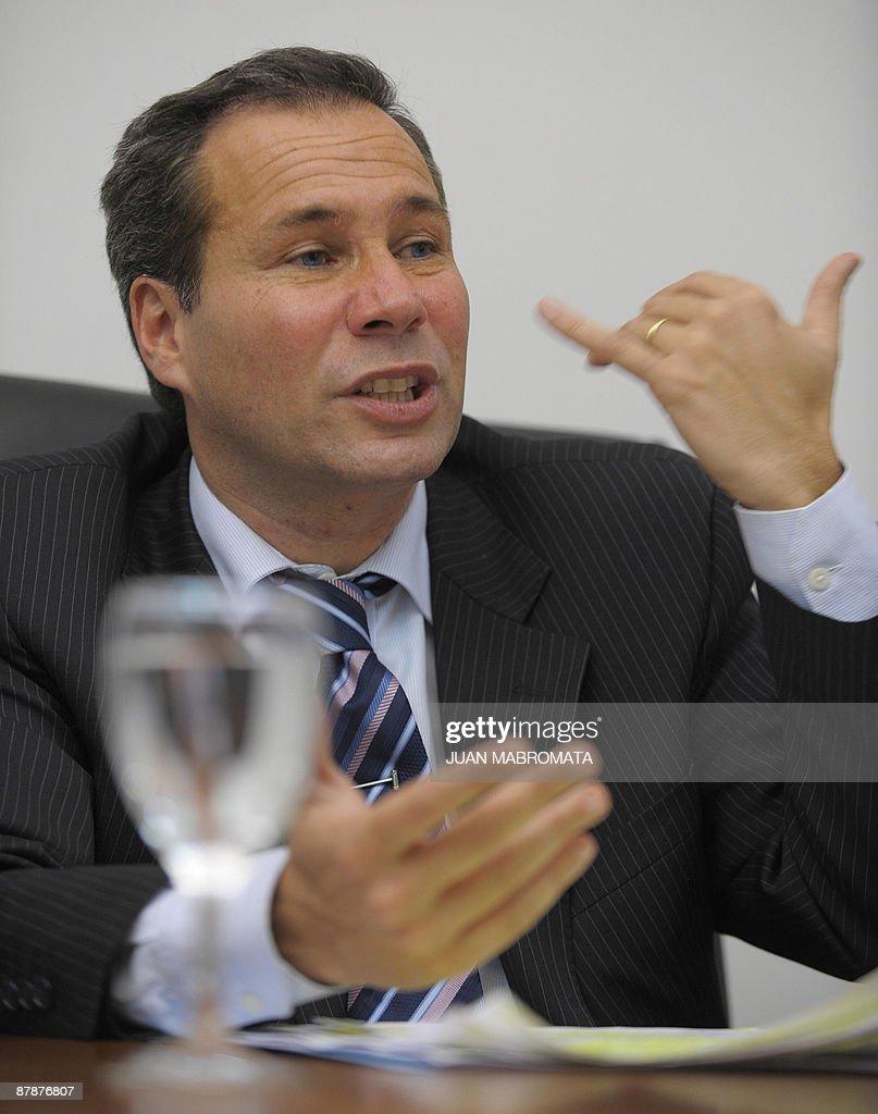 Argentina's Public Prosecutor Alberto Ni : Foto jornalística