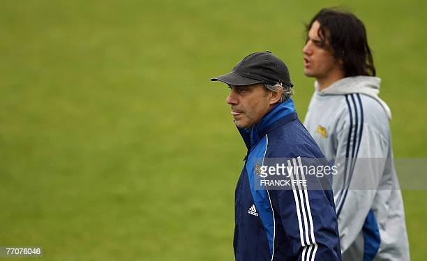 Argentina's rugby union national team headcoach Marcelo Loffreda and captain Agustin Pichot attend during a training session at the Sport stadium in...