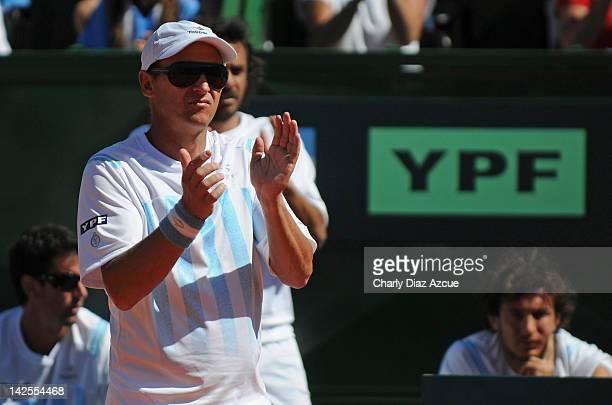 Argentine captain Martin Jaite during the match between Argentina and Croatia for the quarterfinals of the Davis Cup at Mary Teran de Weiss stadium...