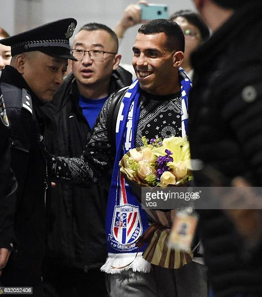 Argentine footballer Carlos Tevez arrives at the airport on January 19 2017 in Shanghai China Carlos Tevez will play for Shanghai Greenland Shenhua...