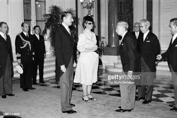Argentine President Jorge Rafael Videla and his wife Alicia Hartridge greet Emperor Hirohito prior to the welcome ceremony at the Akasaka State Guest...