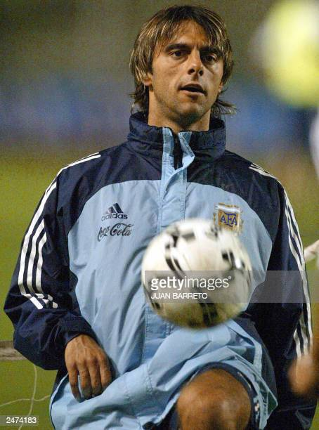 Argentine team's player Claudio Lopez participates in a training session 08 September 2003 in Caracas Argentina will play against Venezuela 09...