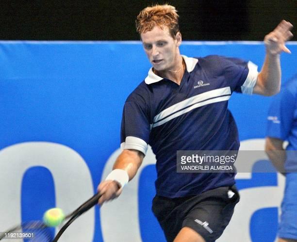 Argentine tennis player David Nalbandian is seen in action in Rio de Janeiro Brazil El argentino David Nalbandian devuelve la pelota frente al...