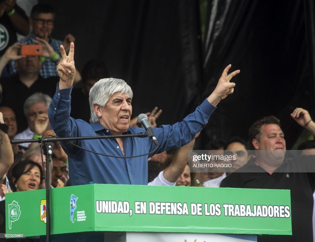 Argentine trade union leader Hugo Moyano addresses truckers and other labor unions and social organizations protesting austerity measures adopted by the government of Mauricio Macri, in a demonstration in Buenos Aires on February 21, 2018. /