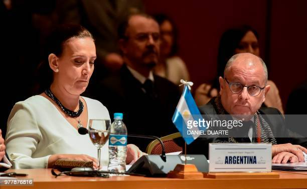 Argentine VicePresident Gabriela Michetti and Foreign Minister Jorge Faurie attend the Mercosur Summit in Luque Paraguay on June 18 2018 During the...