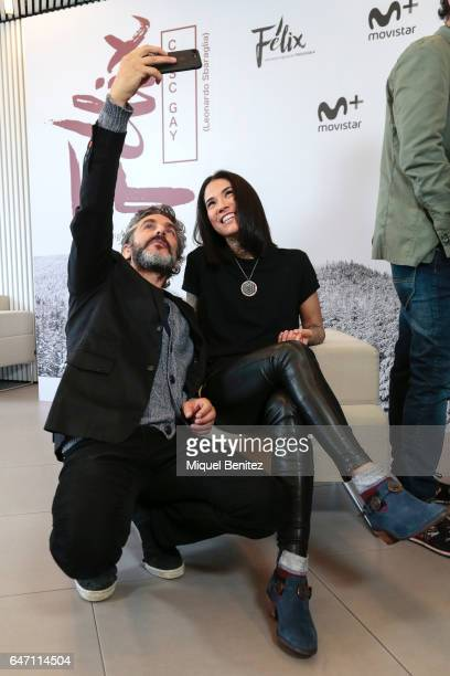 Argentinian actor Leonardo Sbaraglia takes a selfie with his iPhone mobile accompanied with the actress Mi Hoa Lee during the presentation of 'Felix'...