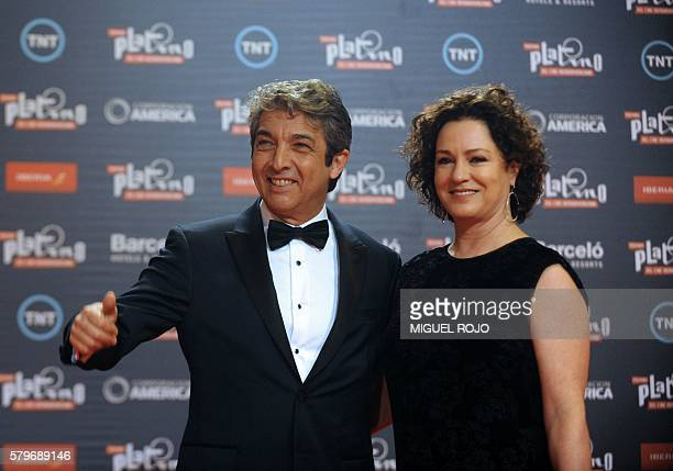 Argentinian actor Ricardo Darin and his wife Florencia Bas smile as they arrive for the Platino IberoAmerican Film Awards in Punta del Este Uruguay...