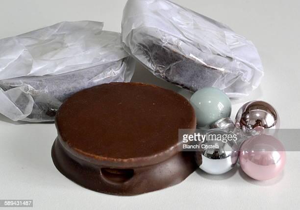 Argentinian  chocolate alfajores cookies