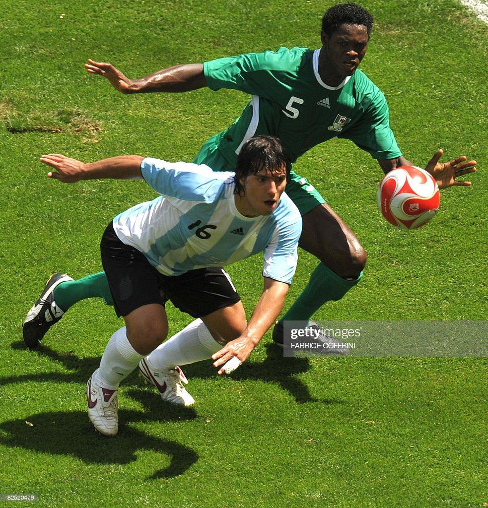 Argentinian forward Sergio Aguero (front : News Photo
