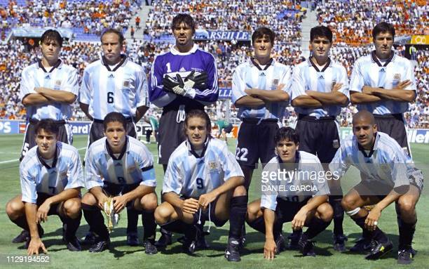 Argentinian players pose for the official team picture before their 1998 Soccer World Cup quarterfinal match against the Netherlands 04 July at the...