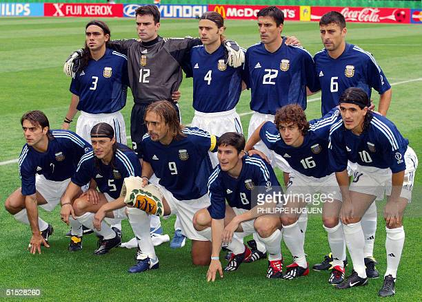 Argentinian players pose for the traditionnal team picture before the Group F first round last match Sweden/Argentina of the 2002 FIFA World Cup in...