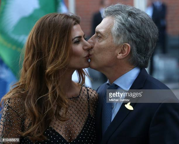 Argentinian President Mauricio Macri kisses his wife Juliana Awada arriving to the Elbphilharmone for the dinner during the G20 Summit on July2017 in...